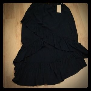 Gorgeous high low black skirt size s